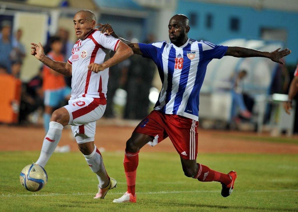 Liberia's Anthony Laffor (R), pictured on September 4, 2016, came on just before the hour mark in Pretoria to score the goal that gave Mamelodi Sundowns a 1-0 win over Chippa United (AFP Photo/Salah Habibi)
