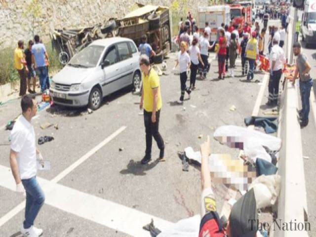Turkish tour bus crashes into trees killing 11 passengers and injuring 46