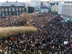 635953821517072104-EPA-ICELAND-PROTEST-PANAMA-PAPERS.1