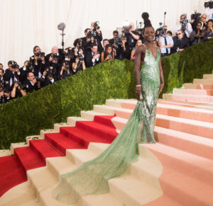 """Lupita Nyong'o arrives at The Metropolitan Museum of Art Costume Institute Benefit Gala, celebrating the opening of """"Manus x Machina: Fashion in an Age of Technology"""" on Monday, May 2, 2016, in New York. (Photo by Charles Sykes/Invision/AP)"""