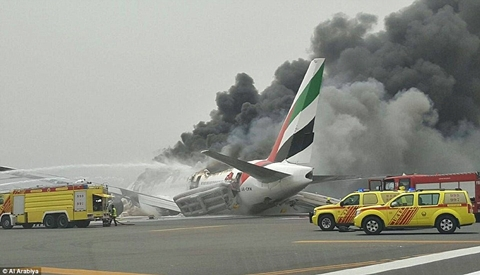 Emirates airline flight crash-lands at Dubai airport