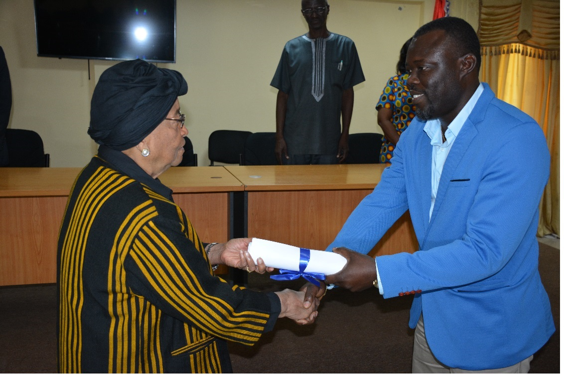 As 28 More Days For Liberia's Elections, Ellen Tells NEC Of Its Importance -