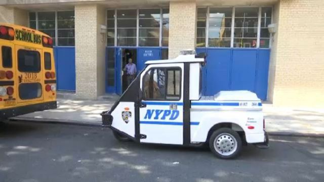 Student allegedly brings unloaded gun to Bronx middle school