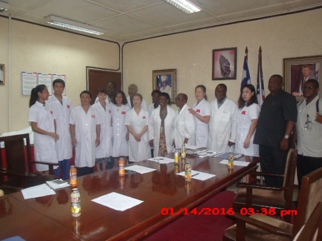 Chinese medical team donating supplies to Liberia's health authorities in January