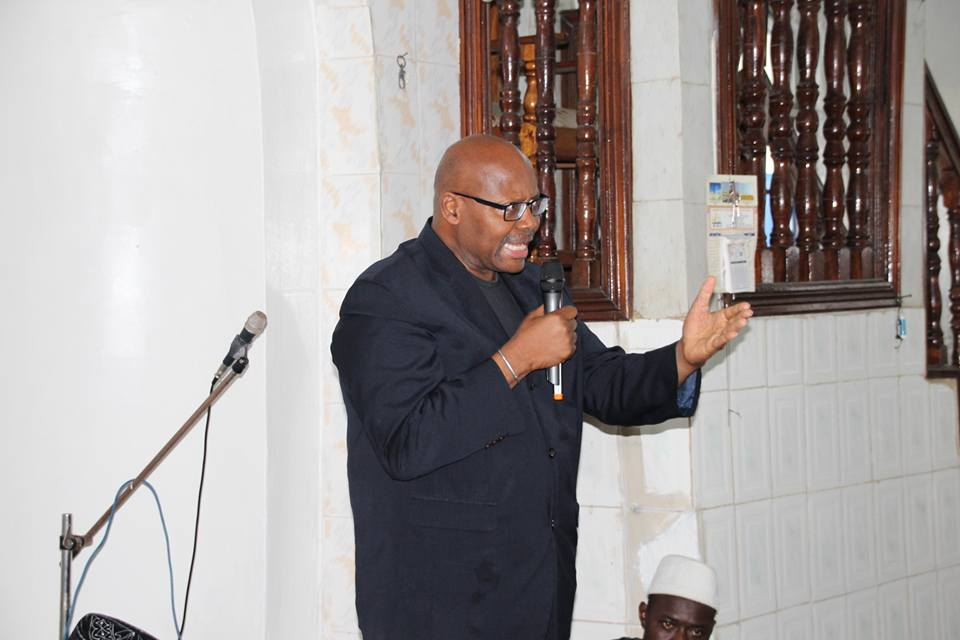 Dr. H. Boama Fahnbulleh paying his tribute to the late Diakite