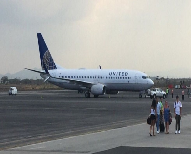A United Plane Reportedly Made an Emergency Landing After Overheating -