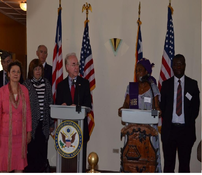 US health secretary visits Liberia, where Ebola killed 4800