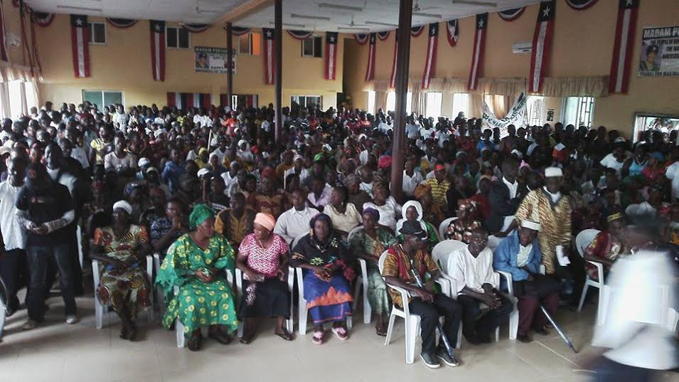 Cross section of Senjeh district citizens at the ceremony