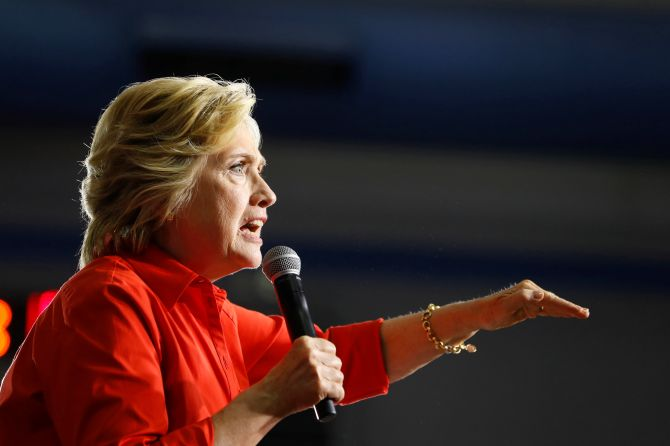 Democratic U.S. presidential candidate Hillary Clinton speaks at East High School in Youngstown, Ohio, July 30, 2016. REUTERS/Aaron P. Bernstein - RTSKEXD