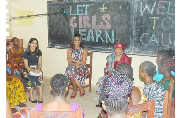Mrs. Obama and President Sirleaf interacting with girls at Caul Field Public school