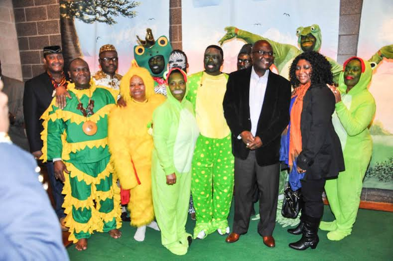 "Liberian Ambassador to U.S. and Mrs. Jeremiah Sulunteh on the Green Carpet with Dehkontee Artists Theatre ""The Frogs and Black Snake in Frogsville"" cast during the 42nd Anniversary of Dr. Joe Gbaba"