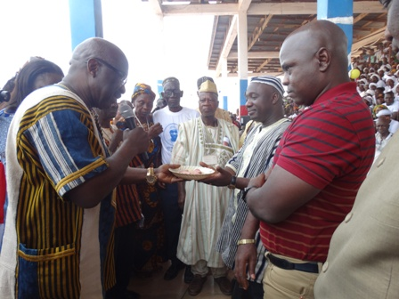 Internal Affairs Minister, Henrique Tokpa welcoming the Speaker of the House of Representatives, J. Emmanuel Nuquay to Bong County