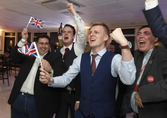 Leave supporters cheer results at a Leave.eu party after polling stations closed in the Referendum on the European Union in London, Britain, June 23, 2016.  REUTERS/Toby Melville