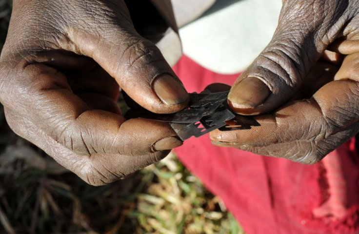 surgical-razors-used-female-genital-mutilation