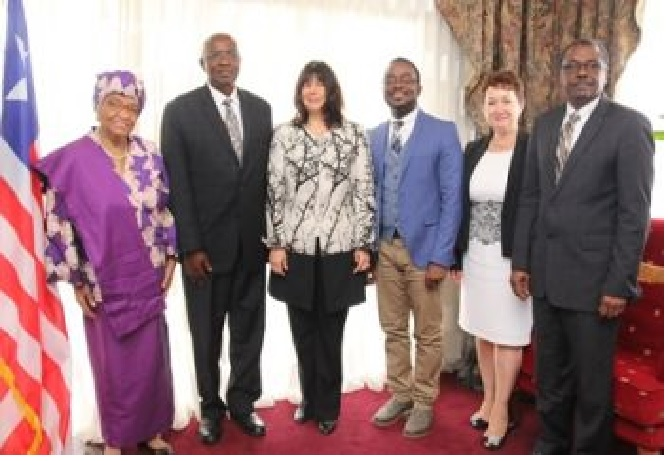 President Sirleaf with the World Bank Delegation following the meeting