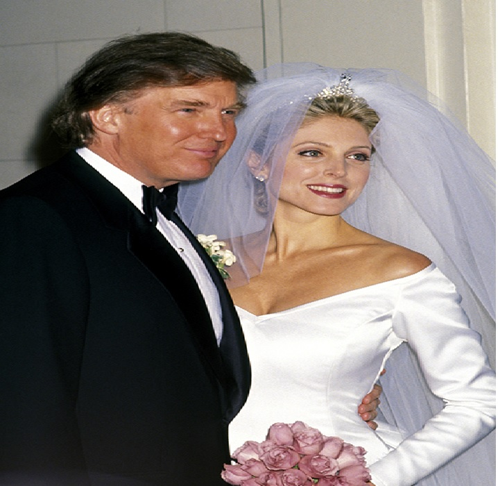 FLASH BACK: Melania (Knauss) Trump and her husband, Donald Trump during the wedding in 2005